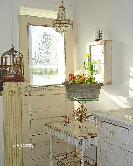 Inside shabby chic and the rustic farmhouse decor for Lampe style shabby chic