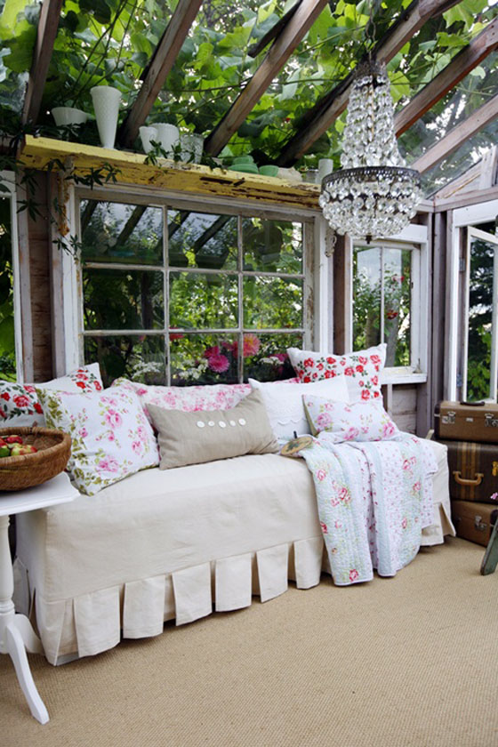 Inside shabby chic and the rustic farmhouse… Decor Design Show