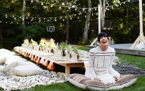 How to create a bohemian-style outdoor dining experience
