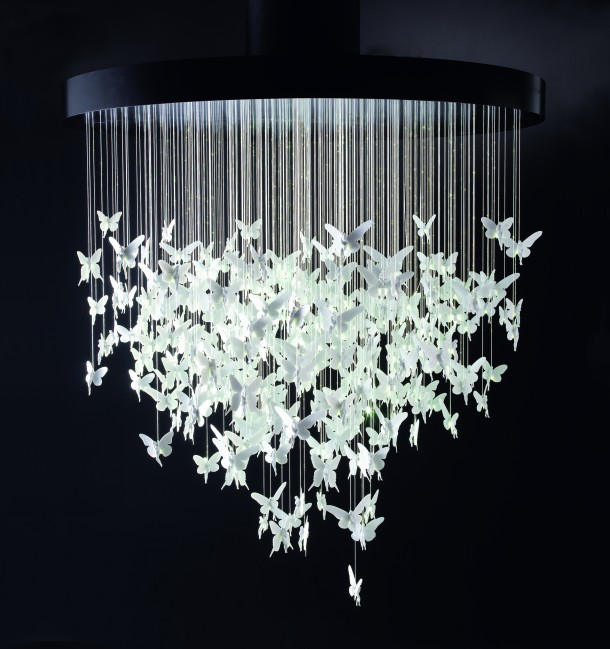 This spectacular light installation measures 2 metres in diameter and is composed of 300 porcelain fairies.
