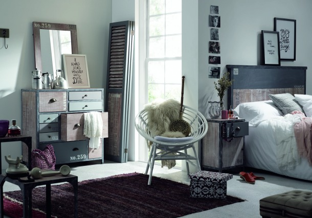 The Xet chair is a perfect match for this bedroom setting.