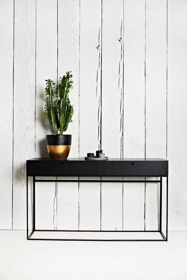 Globe West expect to see a strong focus on dark finishes as seen in the  Siena Console in dark Wenge.